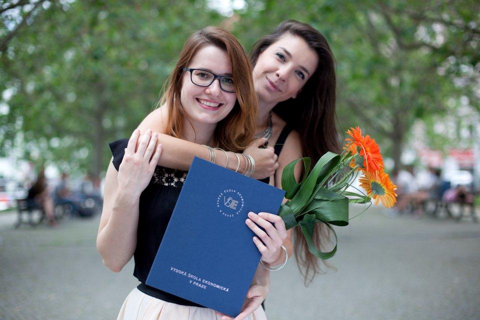 Promoce absolventů bakalářského studia
